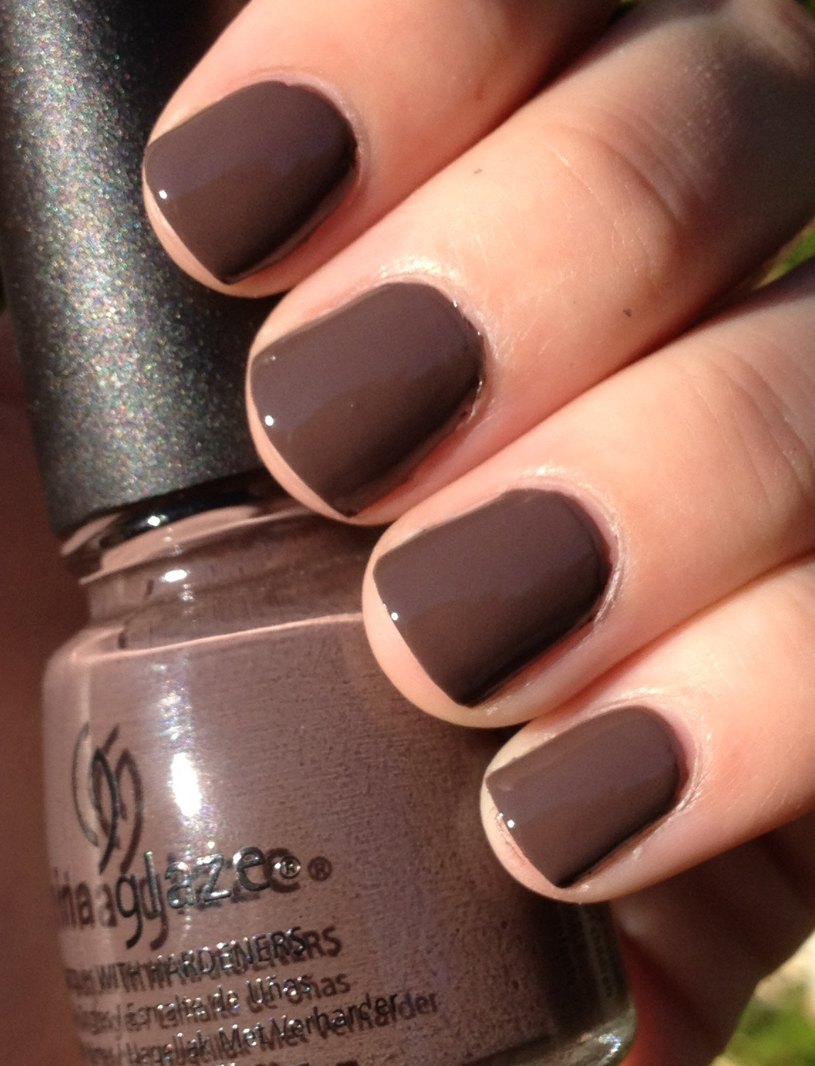 Top Five Must-Have Nail Polish Hues for Fall – The Girl in Couture